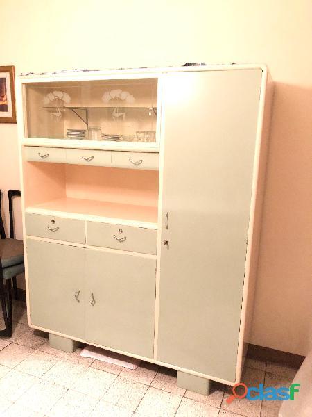 Mobili cucina anni 50 conservati egregiamente   da vedere!!