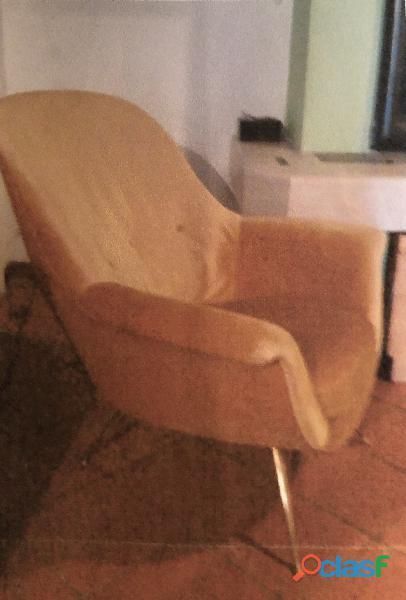 Salotto anni 50 composto da divano e tre poltrone