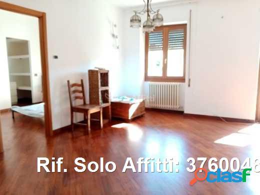 Appartamento in affitto 4 locali 900 eur 37600489