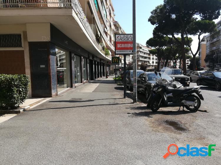 Gregorio vii - negozio ottima visibilità € 8.500