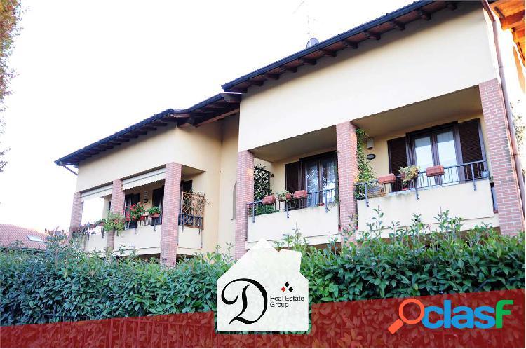 Trilocale duplex con balconi e box
