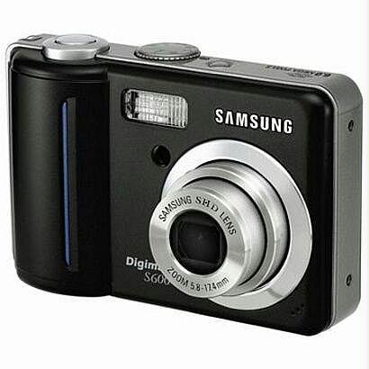 Samsung Digimax S600, 6 MP - con cavi e manuali d'uso