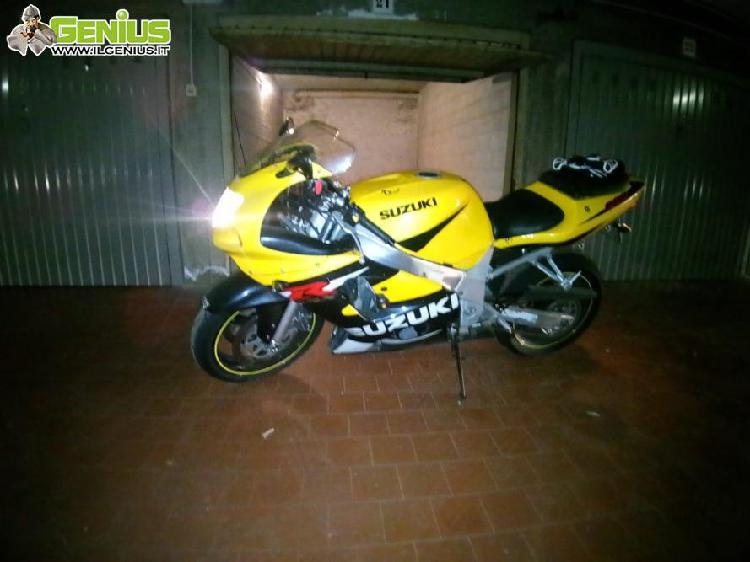 Suzuki gsxr 600 del 2001 tenuta bene, km 35