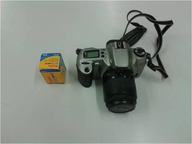 Vendo macchina fotografica Canon Eos3000n Usato