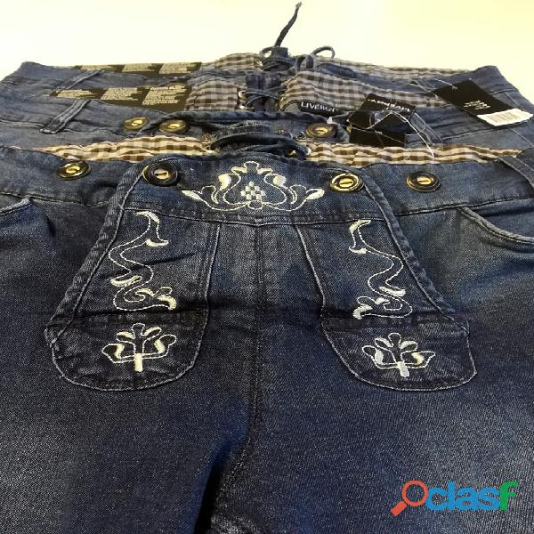 Pantaloni bermuda jeans, stile tirolese