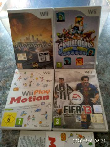 4 videogiochi × wii, portale elettettonico,7 personaggi