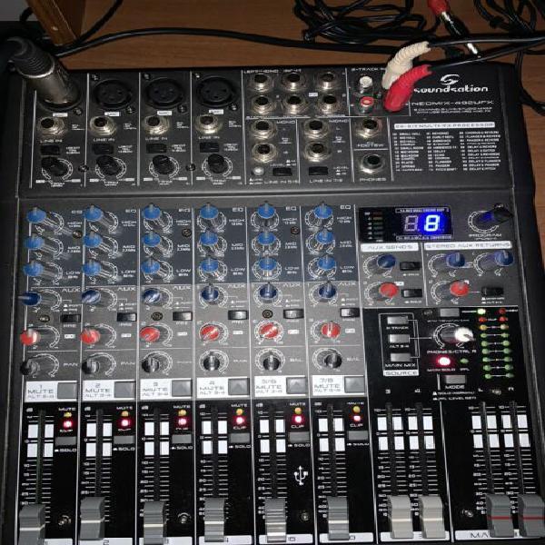 Mixer 8 canali con effetti