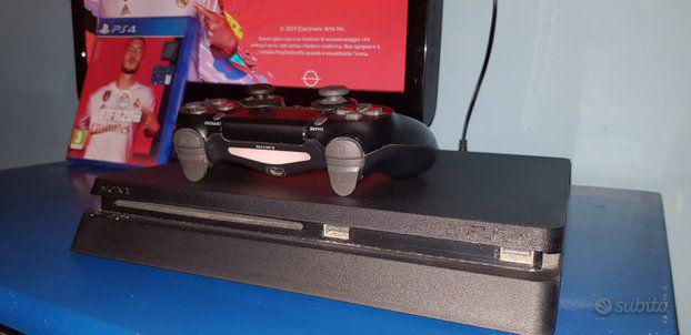 Vendo play station 4 slim 500 gb + fifa20