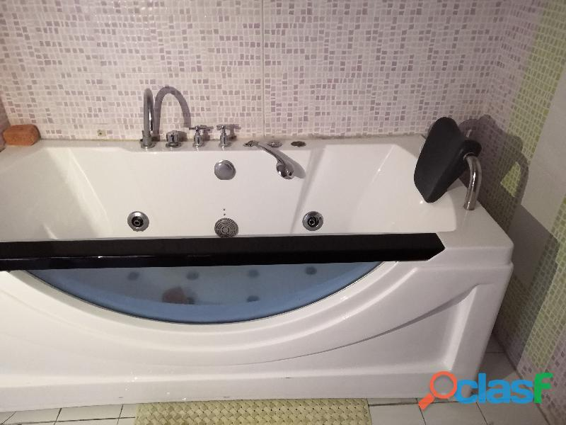 Vasca da bagno con vetro