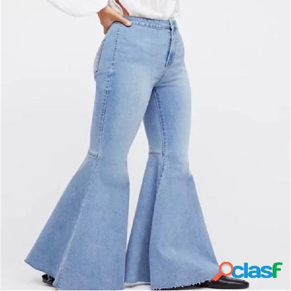 Pantaloni di jeans svasati elasticizzati a vita alta vintage