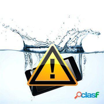 Riparazione dei danni causati dall'acqua sul asus zenfone 5