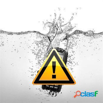Riparazione dei danni causati dall'acqua sul iphone 4s