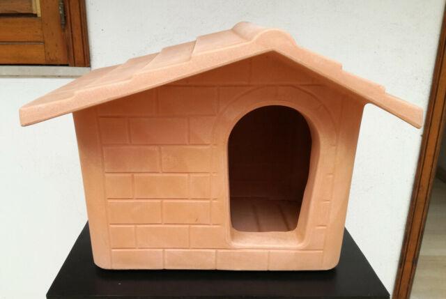 Cuccia a casetta in resina per cani piccola taglia