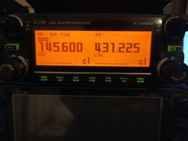Ricetrasmettitore icom ic 2820
