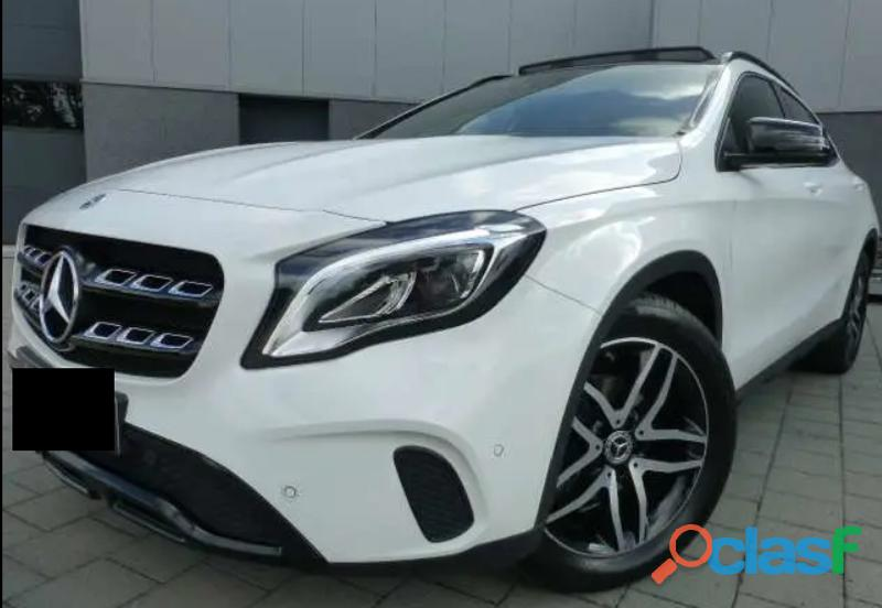 Mercedes GLA 180 Panorama Sport Packet 3