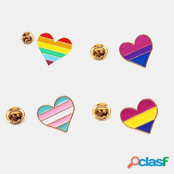 Creativo carino cuore a forma di lettera distintivo spilla arcobaleno amore spilla gioielli donna