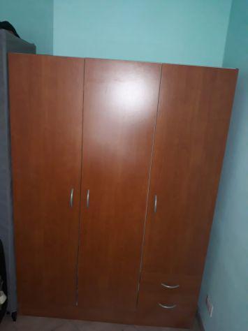 Divano, frigo +congelatore, armadio
