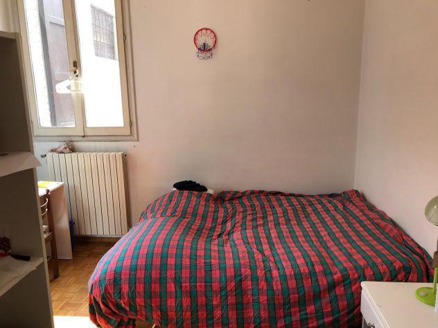 Stanza camera posto letto per studenti in centro storico di