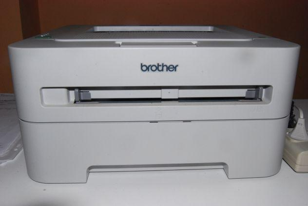 Computer, stampante, tastiera, maus