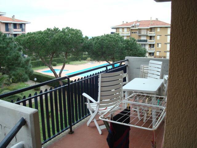 Due appartamenti mq 215 totali con parco e piscina