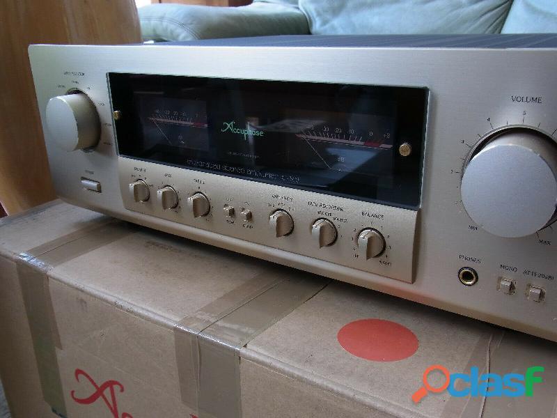Amplificatore integrato stereo accuphase e307.