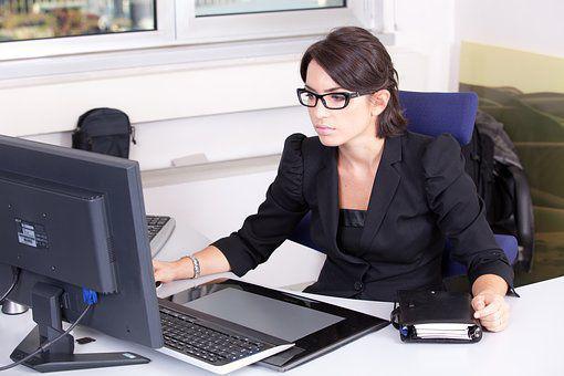 Corso segretaria aziendale estero con stage retribuito in