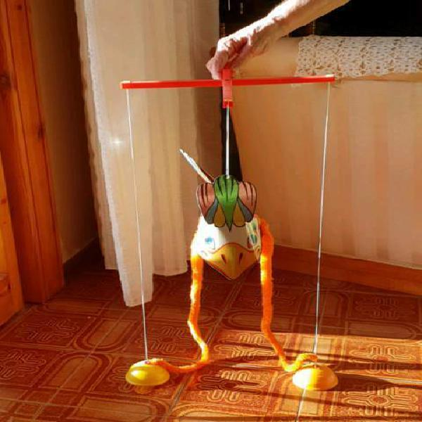 Giocattolo burattino marionetta con fili