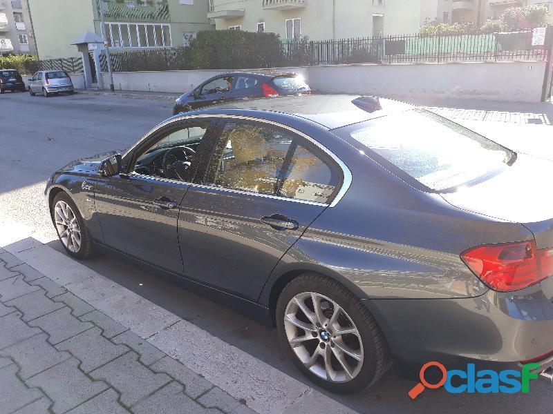 vendo bmw320d luxury 184cv 01/2013