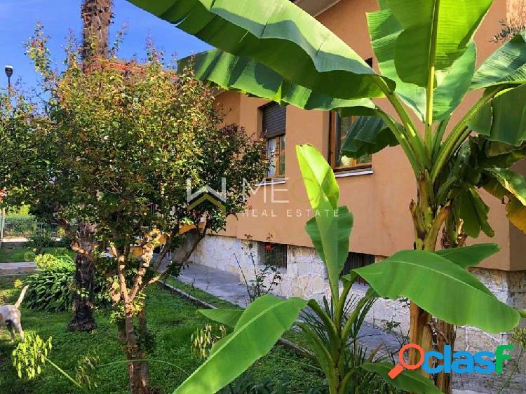 Saló, villa singola in centro con ampio giardino