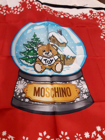 Moschino foulard di seta 100%