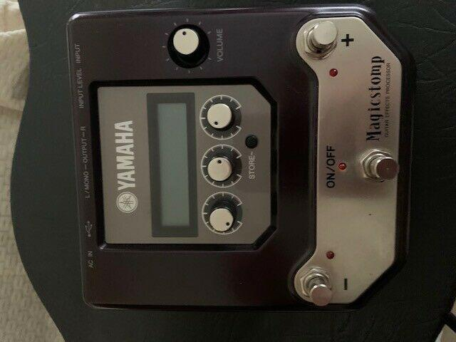 Pedale multieffetto yamaha magic stomp.