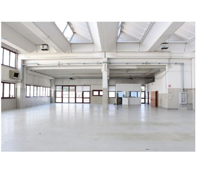 Casalecchio di reno capannone mq 650 uffici mq 250