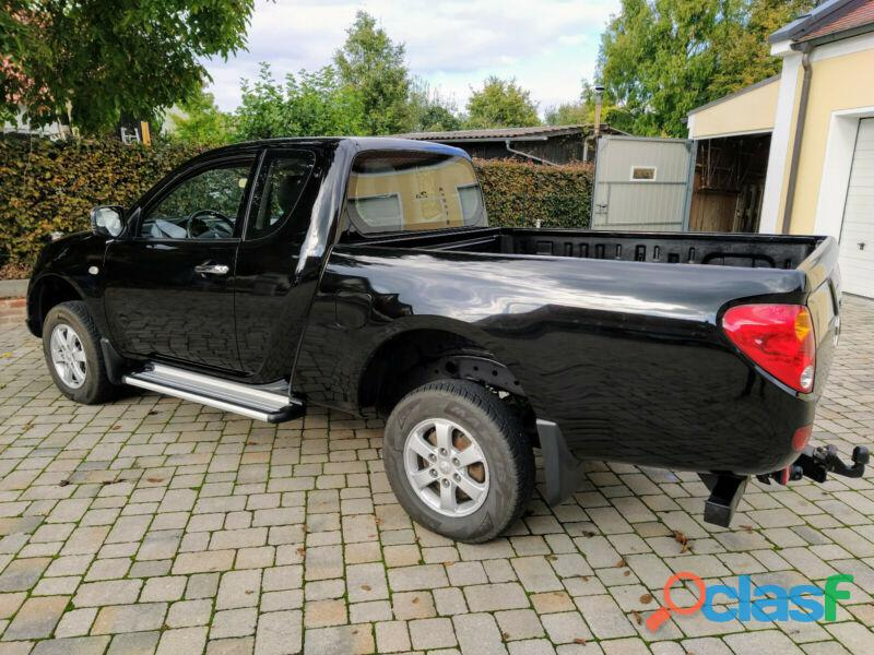 Mitsubishi L200 Pick Up 4x4 DPF Invite Club Cab 1