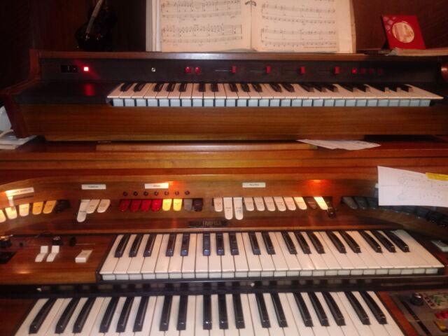 Organo farfisa anni '70