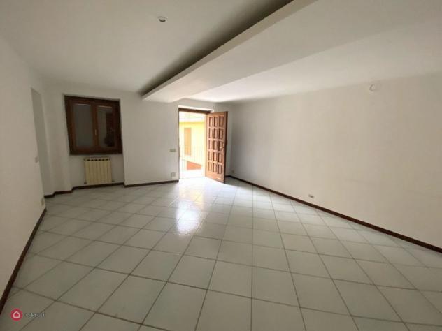 Appartamento di 115mq in via cavour 1 a casnate con bernate