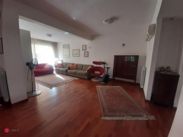 Villa di 250mq in via nino bixio n 32 a Latina