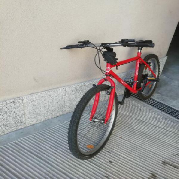 Mountain bike rossa unisex