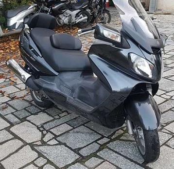 Suzuki burgman 650…