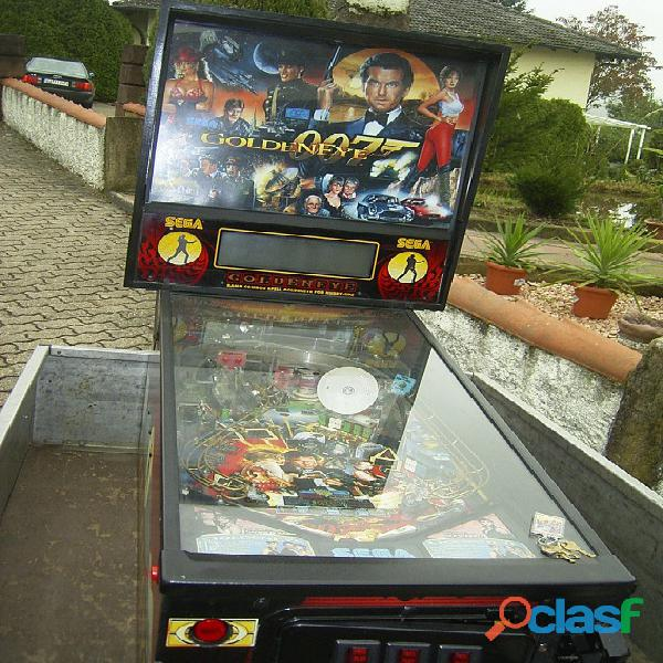 Pinball James Bond 007 occhio d'oro