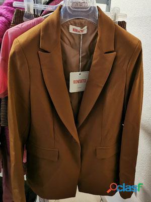 Stock abbigliamento firmato kontatto