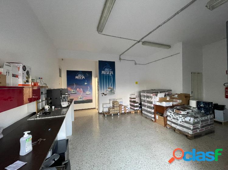 Tuscolana - magazzino 3 locali € 650 ma301