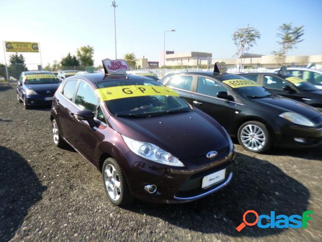 Ford fiesta benzina in vendita a barletta (barletta-andria-trani)