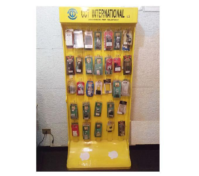 Espositore accessori vari con supporti e artic. di telefonia