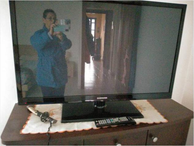 Tv samsung 43 pollici con telecomando originale usato
