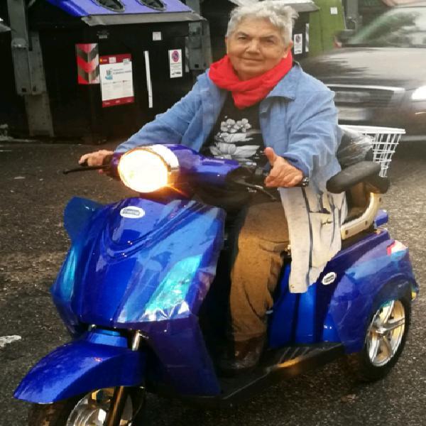 Scooter motocarrozzetta elettronica anziani disabili