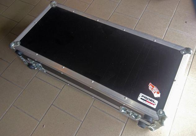 Console dj con flight case
