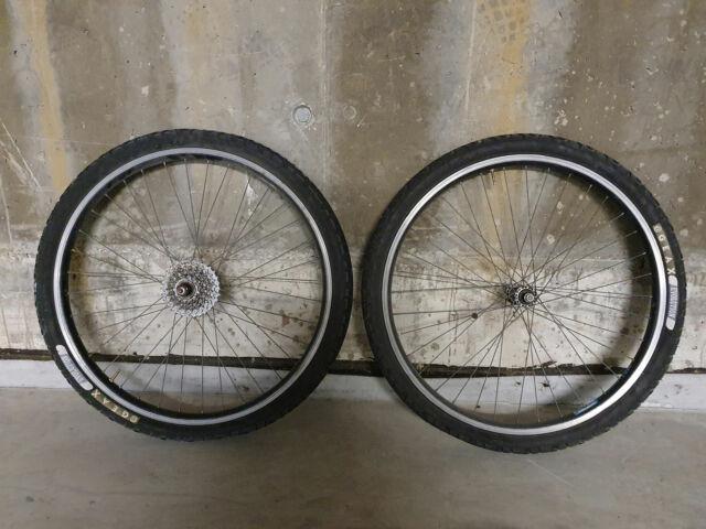 Ruote da mountain bike con copertoni nuovi