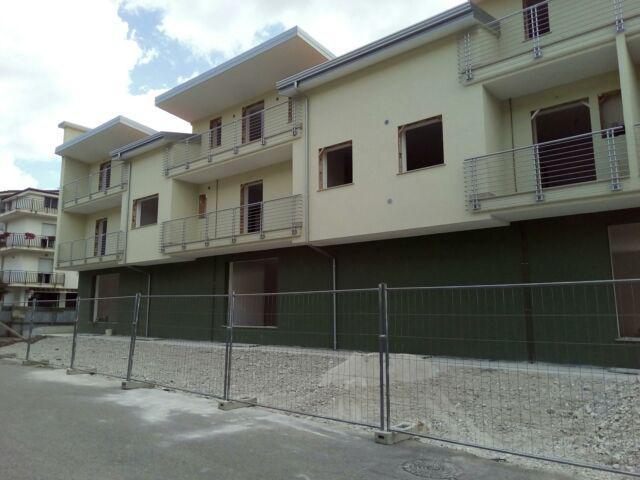 Immobili commerciali/residenziali in vendita.