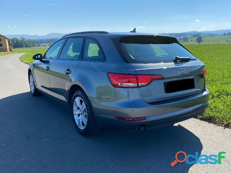 Audi A4 Avant 2.0 TDI S tronic 1