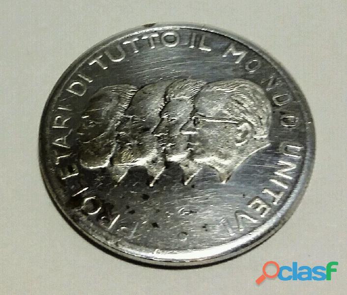 MONETA DI PROLETARI DI TUTTO IL MONDO UNITEVI SCUDO COMUNISTA. PESO 13,2 GR.